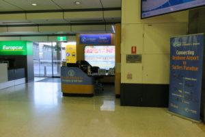 ブリスベン空港 国内線 ターミナル 到着 ロビー 電車 チケット Airtrain
