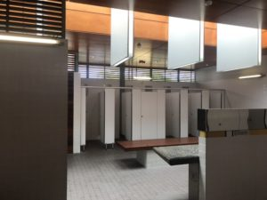 ケアンズ ラグーン 更衣室 トイレ
